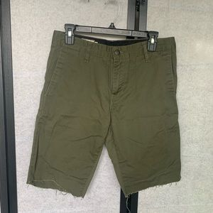 Olive Garden Men's Volvo's shorts
